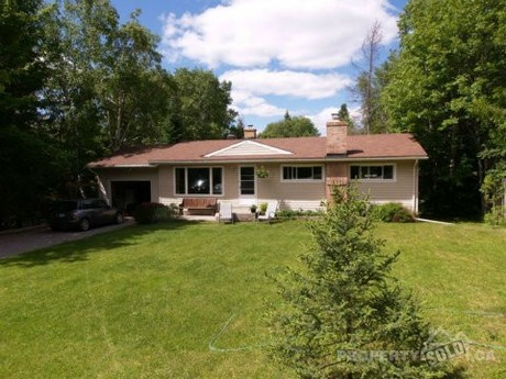 Groovy House For Sale In North Bay Ontario 584 Cedar Heights Road Home Interior And Landscaping Ferensignezvosmurscom
