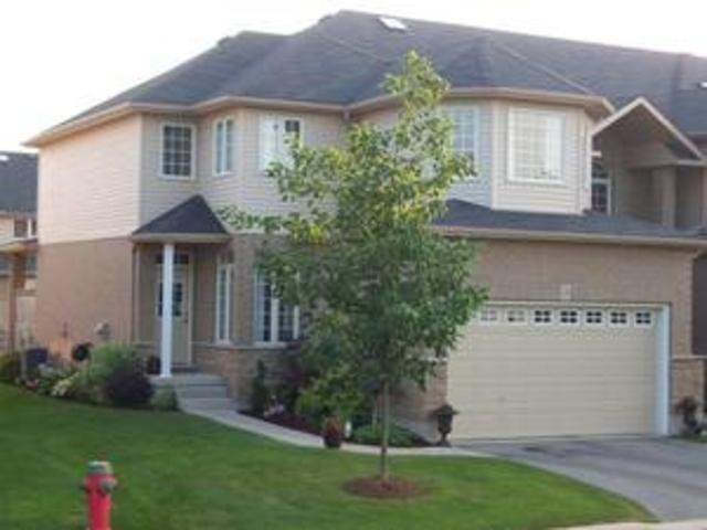 Homes For Sale In Guelph Ontario >> Condo Townhouse For Sale In Guelph Ontario 254 Summerfield Dr