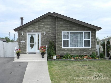 House For Sale In Kingston Ontario 11 Derby Gate Crescent